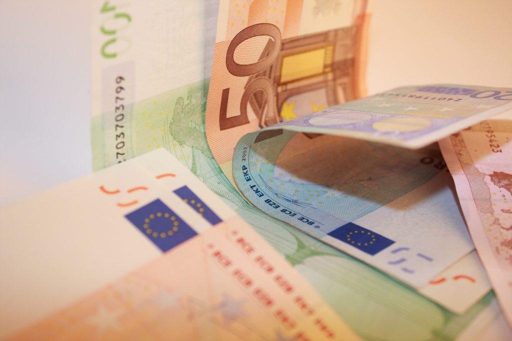 writing-europe-money-paper-close-up-brand-1383679-pxhere.com