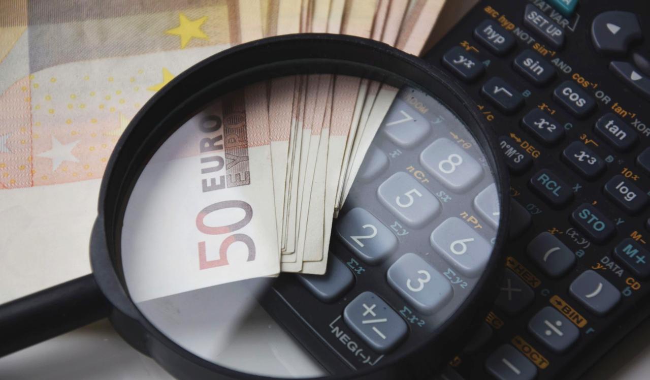 Corte di giustizia UE: il consumatore ha diritto al rimborso di tutti i costi in caso di estinzione anticipata del credito