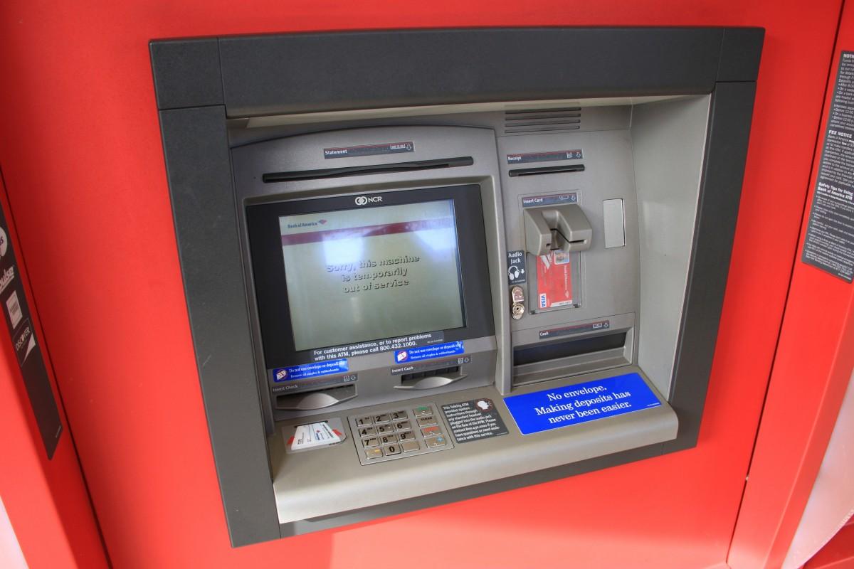 Responsabilità della Banca per prelievi abusivi effettuati tramite bancomat.