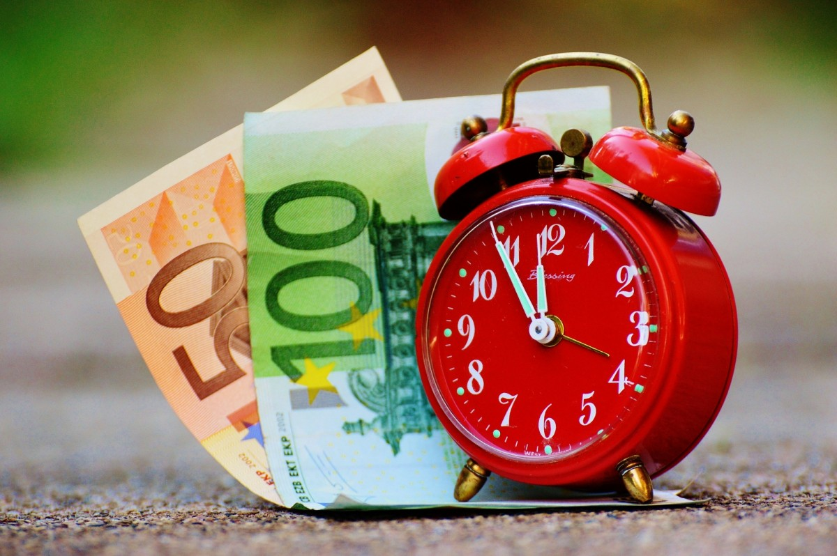 time_is_money_the_eleventh_hour_bank_note_alarm_clock_clock_time_money_bag_hours-672348