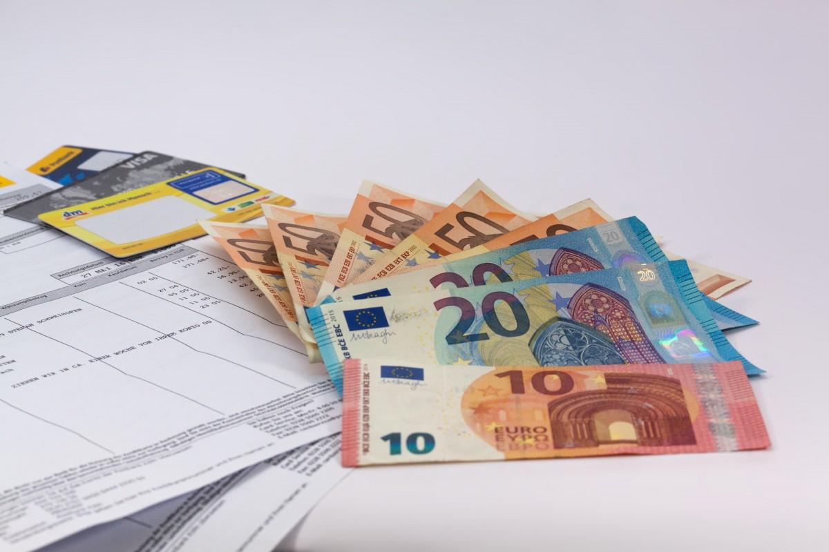 money_euro_currency_europe_dollar_bill_financial_world_finance_banknote-610416