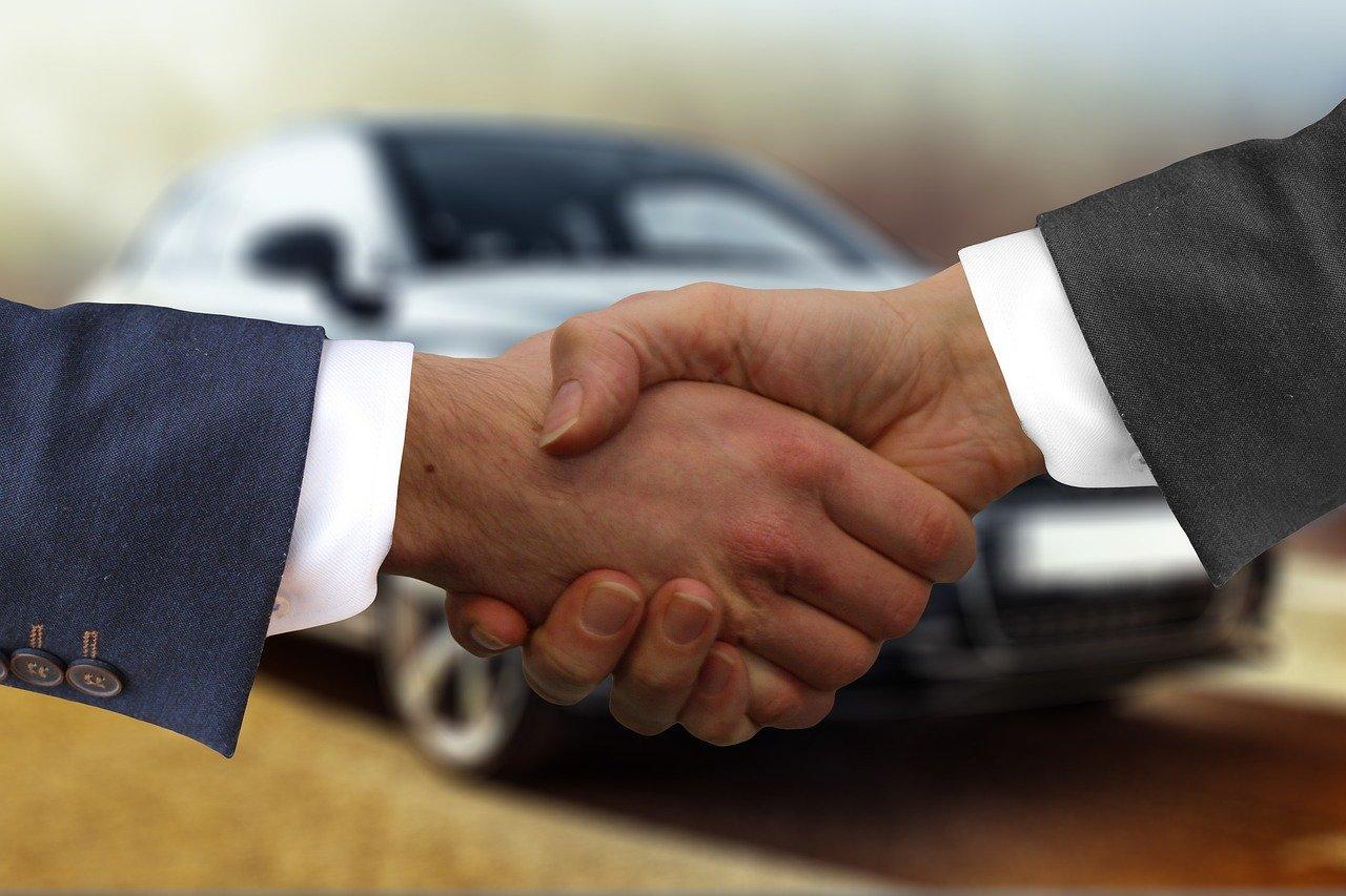 handshake-4011416_1280