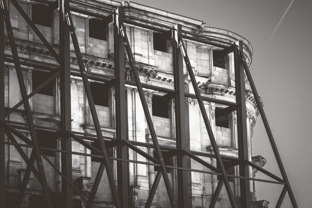 building-4016431_1920