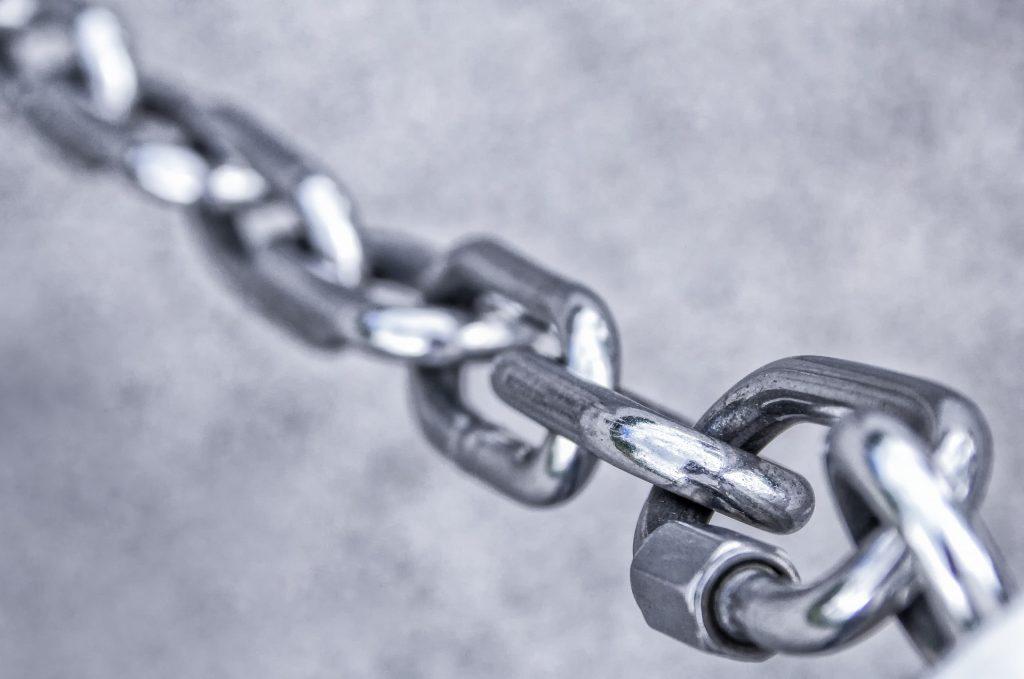 chain-3481377_1920