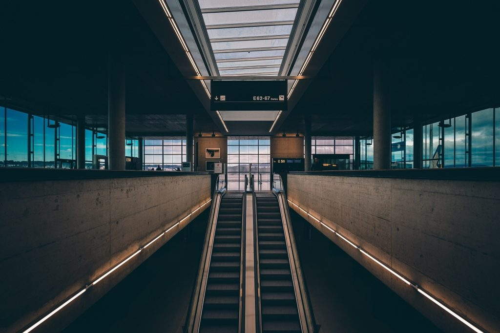 terminal-1210006_1920
