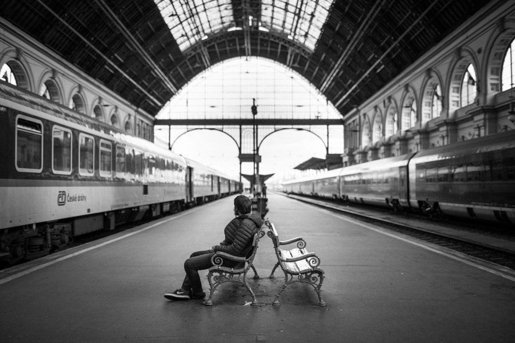 train-station-1868256_1920