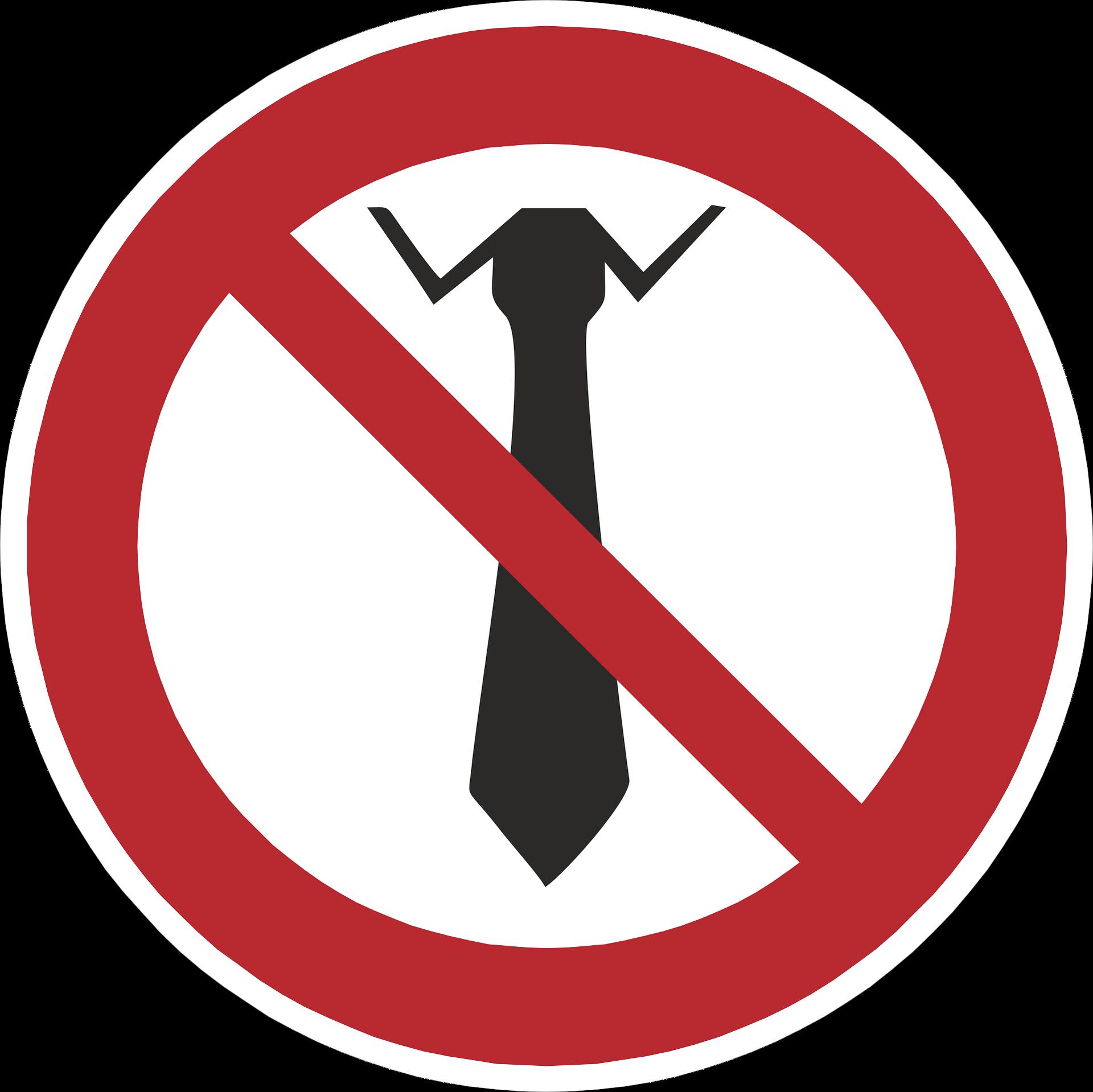 Rilevanza deontologica delle espressioni sconvenienti e offensive, pronunciate in una dimensione privata (e non professionale).