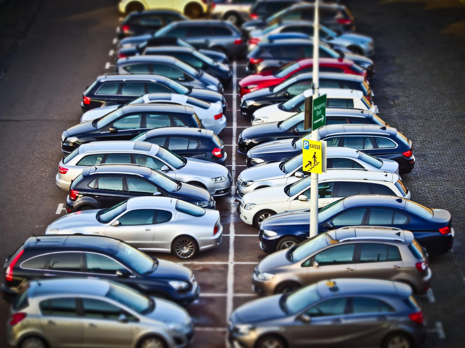 Assicurazioni RCA: qualificazione della circolazione su aree equiparate a strada.